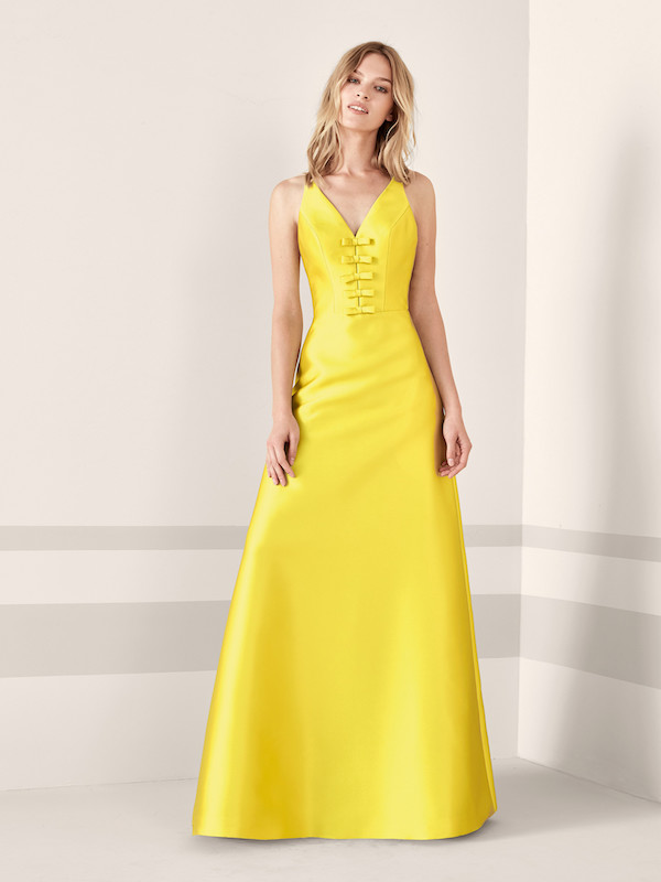 tendencias-de-moda-catalogo-pronovias-2019-amarillo-largo