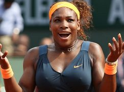 Serena Williams juega en tutú